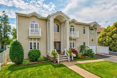 N. Bellmore Single Family Home For Sale: 2548 Columbus Ave