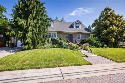 Merrick Single Family Home For Sale: 1733 Frederick Ave