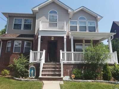 Lynbrook Single Family Home For Sale: 323 Bixley Heath