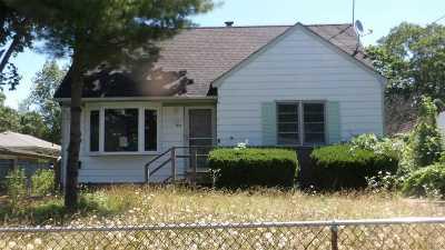 Bay Shore Single Family Home For Sale: 1081 Callahan St