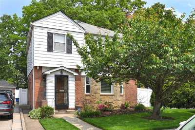 Bayside Single Family Home For Sale: 58-59 211th St