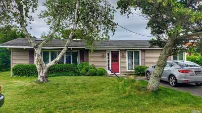 Montauk Single Family Home For Sale: 22 Beach Plum Rd