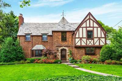 Manhasset Single Family Home For Sale: 487 Park Avenue