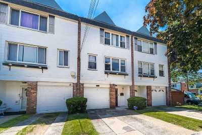 Queens County Condo/Townhouse For Sale: 258-04 149th Rd