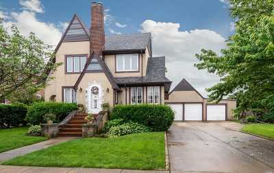 Freeport Single Family Home For Sale: 55 W 2nd St