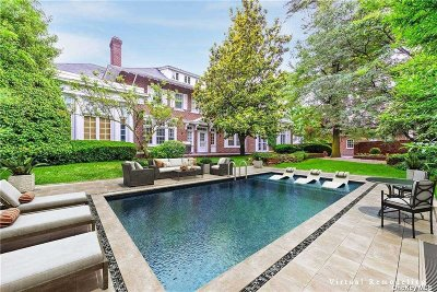 Woodmere Single Family Home For Sale: 879 Broadway