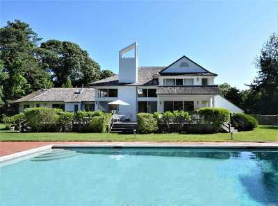 Quogue Single Family Home For Sale: 2 Heatherwood Ln