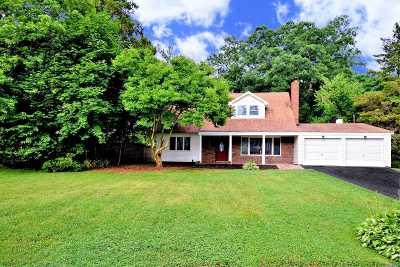 E. Setauket Single Family Home For Sale: 11 Thornwood Way
