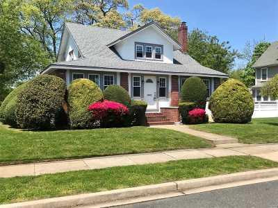 Rockville Centre Multi Family Home For Sale: 61 Reid Ave