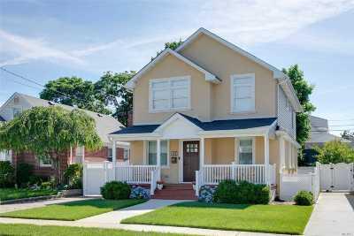 Garden City Single Family Home For Sale: 180 S Kensington Rd