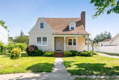 East Meadow Single Family Home For Sale: 413 Chambers Ave