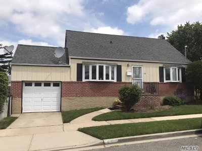 W. Hempstead Single Family Home For Sale: 210 Parker Ave