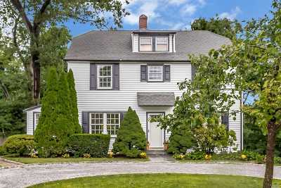 Port Washington Single Family Home For Sale: 33 Hilltop Rd