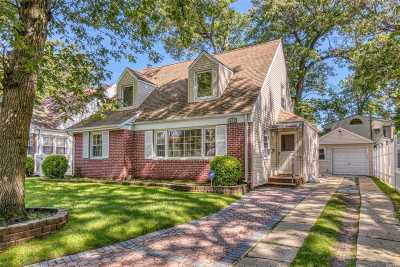 Rockville Centre Single Family Home For Sale: 424 Columbia Ave