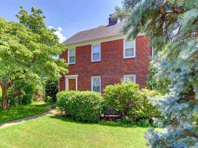 Port Washington Single Family Home For Sale: 16 Avenue A