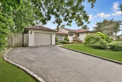 Syosset Single Family Home For Sale: 63 Garden Cir