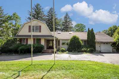 Huntington Single Family Home For Sale: 447 Lenox Rd