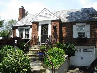 Valley Stream Single Family Home For Sale: 20 Flower Rd