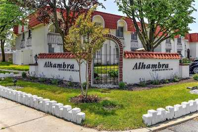 Oceanside Condo/Townhouse For Sale: 22 Alhambra Dr