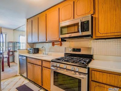 Queens County Condo/Townhouse For Sale: 8710 149th Ave #2M