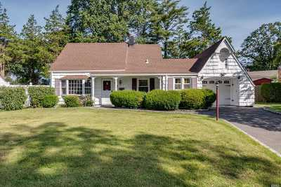 Levittown Single Family Home For Sale: 42 Peony Rd