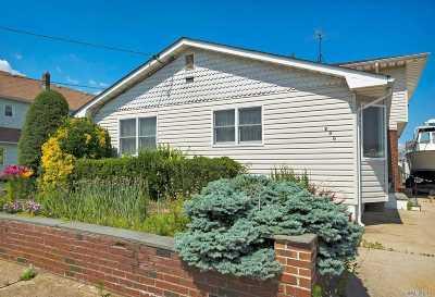 Lindenhurst Single Family Home For Sale: 786 S 9th St