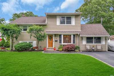 East Islip Single Family Home For Sale: 11 Jefferson Ave