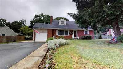 Kings Park Single Family Home For Sale: 80 Avenue K