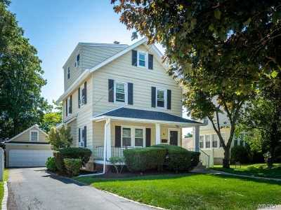 Manhasset NY Single Family Home For Sale: $999,000