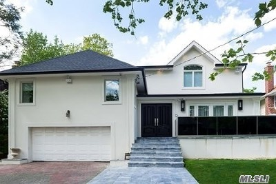 Woodmere Single Family Home For Sale: 924 Midway