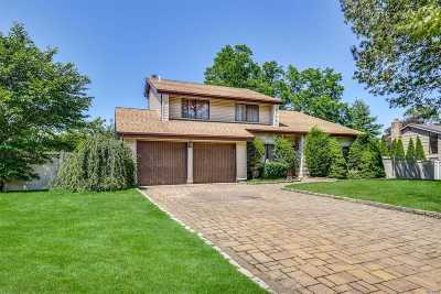 Commack Single Family Home For Sale: 20 Timber Ridge Dr