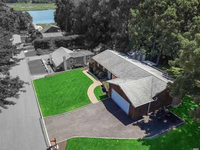 Kings Park Single Family Home For Sale: 135 Walnut Rd