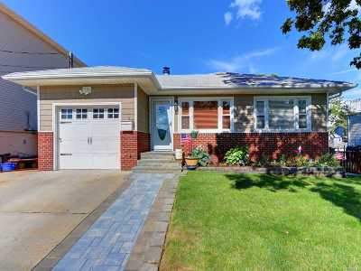 Freeport Single Family Home For Sale: 119 Garfield St