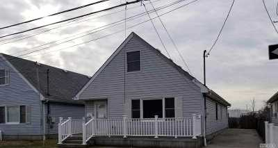 Lawrence Single Family Home For Sale: 11 Bayview Ave