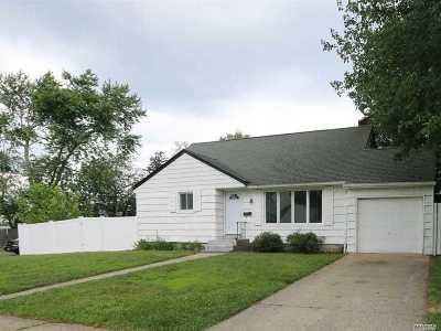 W. Babylon Single Family Home For Sale: 481 15th St
