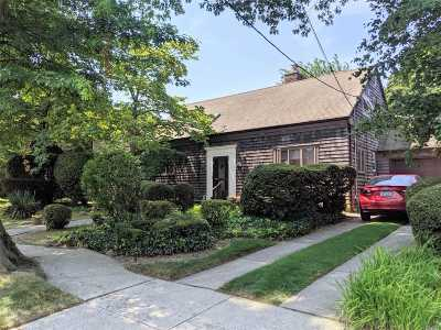 Bayside Single Family Home For Sale: 29-28 215th St