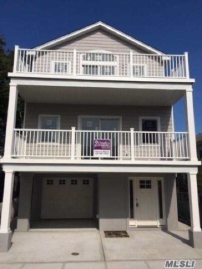 Long Beach Single Family Home For Sale: 78 Nevada Ave