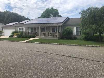 Calverton Single Family Home For Sale: 1407-260 Middle Rd