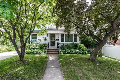 Bayside Single Family Home For Sale: 54-07 217th St