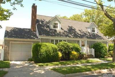 Floral Park Single Family Home For Sale: 84 Orchid St