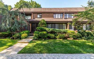 Roslyn NY Condo/Townhouse For Sale: $610,000