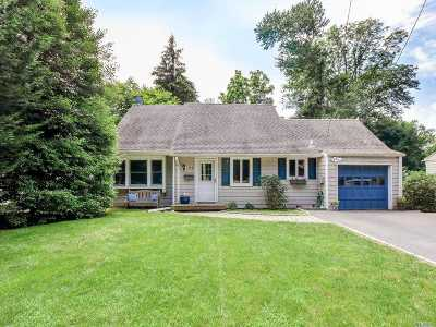 Port Washington Single Family Home For Sale: 116 Middle Neck Rd