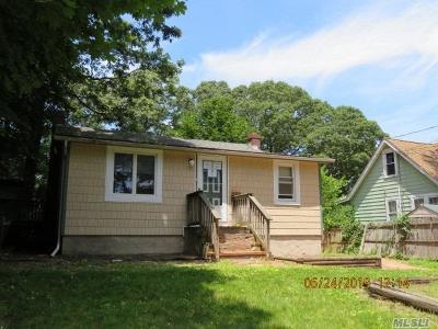 Sound Beach Single Family Home For Sale: 22 Arverne Rd