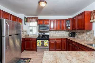 Jamaica Single Family Home For Sale: 16605 Nadal Pl