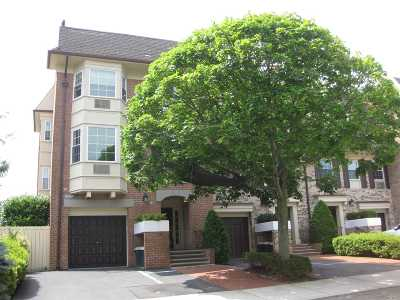 Bayside Condo/Townhouse For Sale: 208-10 Robert Rd #192 L