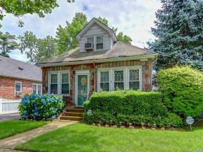 Baldwin Single Family Home For Sale: 1905 Bryant Pl