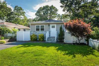 Lake Grove Single Family Home For Sale: 50 Chester St
