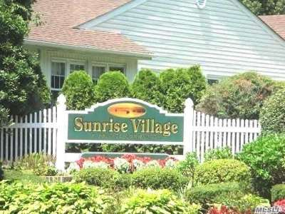 Sayville Condo/Townhouse For Sale: 150 Revere Dr