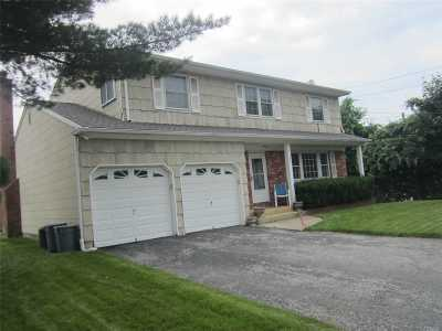 Bethpage Single Family Home For Sale: 570 Broadway