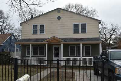 Shirley Single Family Home For Sale: 68 Westminster Dr